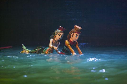 le-spectacle-de-marionnettes-sur-l-eau_62386b1df7f341c68d18f0292f8a0684